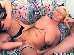 Big dildo ramming mature pussy